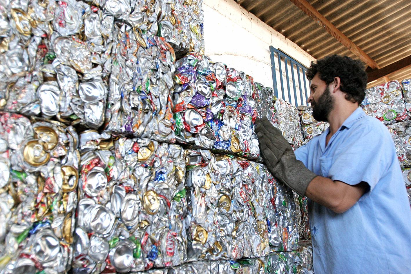 Sergipe qualifica catadores para trabalhar em usinas de reciclagem