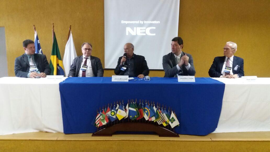 Workshop: Engenheiros eletricistas promovem debate sobre fontes alternativas de energia