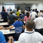 Plenário faz um minuto de silêncio em homenagem a Nicanor Moura Neto