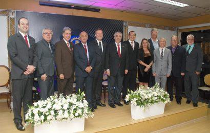 Cerimônia de posse de Arício Resende é marcada por homenagens e prestigiada por lideranças da área tecnológica