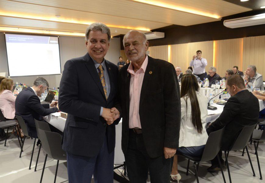 Arício Resende parabeniza presidência do Crea-GO pela escolha de Goiânia como sede da 77ª SOEA em 2020