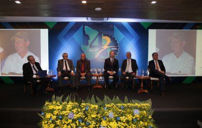 Profissionais,  instituições e empresas são homenageados pelo Crea-SE em Sessão Solene